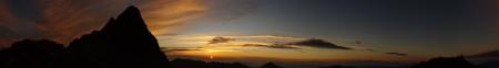 Sunrise_over_Mt_Yari-ga-dake.jpg
